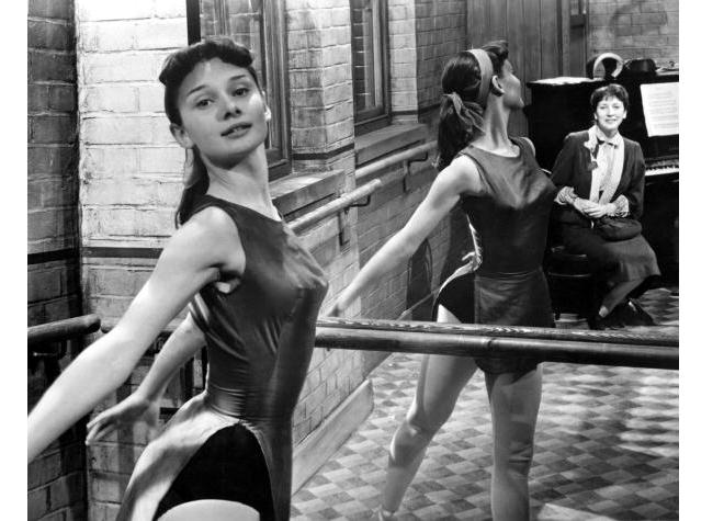 British actress and dancer Audrey Hepburn (1929 - 1993) rehearsing at the barre, circa 1950. (Photo by Silver Screen Collection/Getty Images)